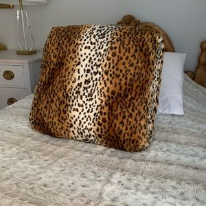 NEW. Laurie Greiner QVC Faux Fur Pillow/Lap Desk